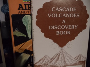 CASCADE VOLCANOES,AIRPLANES   (Set of 2)