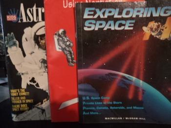 EXPLORING SPACE,USINGNON FICT,ASTRONAUTS (set of 3)