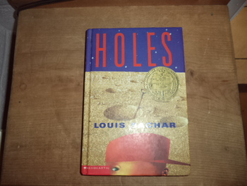 Holes  (set of 5) ISBN 0-439-12845-5