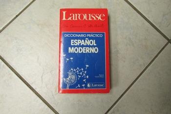 LAROUSSE - Diccionario Practico Espanol Moderno