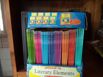 Literary Elements ISBN 13-978-0-545-06763-8 (Complete Kit)