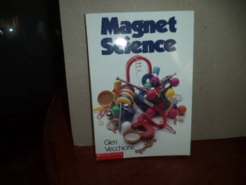 MAGNET SCIENCE    isbn  0-590-51608-6