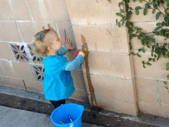 Mess Free Outdoor Painting