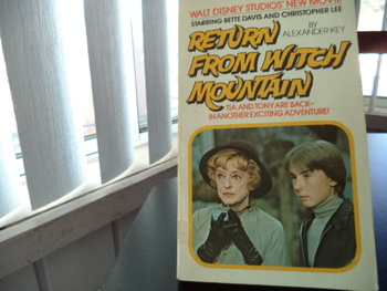Return from Witch Mountain ISBN 0-671-81911-9