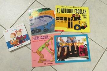 Set of five children's books in Spanish