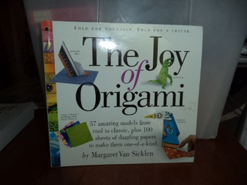 THE JOY OF ORIGAMI    ISBN 13-978-0-7611