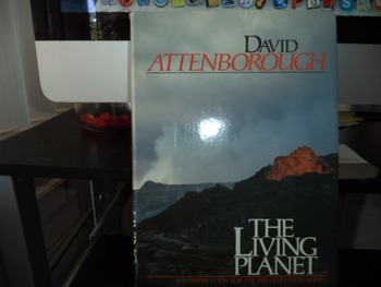 THE LIVING PLANET  ISBN 0-316-05748-7