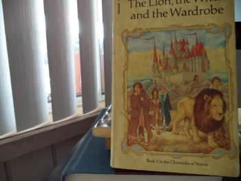 The Chronicles of Narnia (1,2, 3,4,6,7)  ISBN 0-590-40595-0