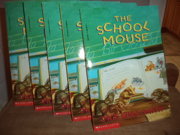 The School Mouse  ISBN 0-590-06251-4   (Set of 18)